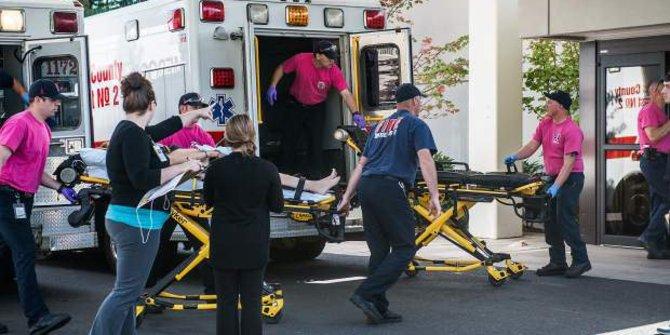 penembakan-sambil-tanya-agama-terjadi-di-kampus-as-10-orang-tewas